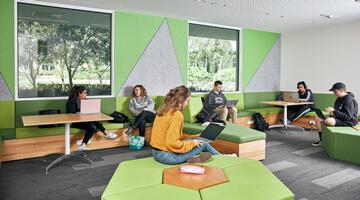 澳大利亚联邦大学课程设计
